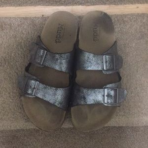 Mudd siZe 7 slippers
